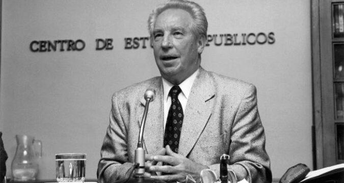 Teniente General de la KGB Soviética Nikolai Leonov, amigo de Cuba y especialmente del General de Ejército Raúl Castro